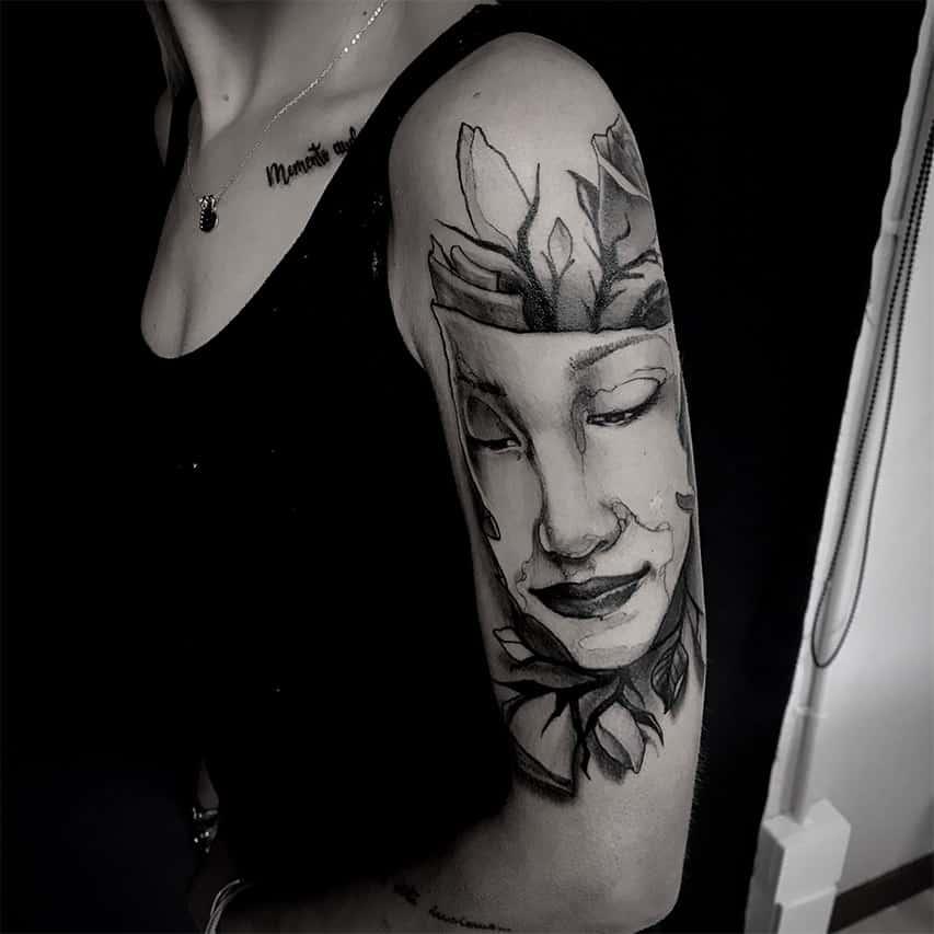 Giulio Canepa Tattoo Donna Fiori